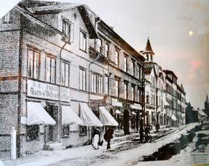 Butiken låg först på Borganäsvägen. Bild från öppningsåret 1929 från Rädda Rädda bilden-arkivet.