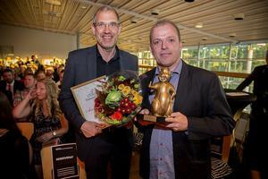 Peckas Naturodlingar med Guldbävern för Årets banbrytare.  Från vänster Daniel Brännström och Hugo Wikström.