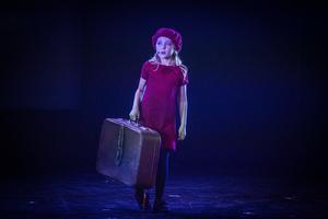 Tuva Larsson, 7 år, i ÖFK:s musikalteater