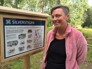 Invigningsbesökaren och Hagabergsbon Lotta Kallin har Aspenstorp nästan bakom husknuten. Hon tycker om att gå i det unika skogsområdet med sina barn och gjorde det även innan området blev naturreservat.