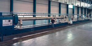 Långhålsborrmaskinen som Björneborgs stålverk har investerat i finns bara i ett fåtal exemplar i världen. Den är 56 meter lång och väger cirka 150 ton. Foto: Björneborg steel
