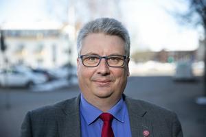 kommunalrådet Hans Unander menar att det trots allt kan bli en folkomröstning-
