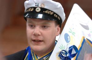 John Wågegård, Hallen: I sommar ska jag jobba för HSB Mitt. Då ska jag klippa gräs och rensa rabatter. Kanske att jag ska hälsa på i Bollnäs när jag är ledig, jag bor i Jämtland.