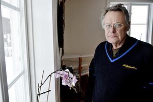 Lantbrukaren Olle Nilsson i Laggarberg upplever sig bli motarbetad när han försöker lyfta frågor om till exempel utsläpp i avloppsvatten: