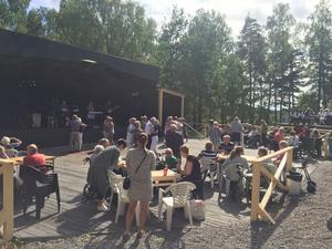 Många besökte folkparksdagen för 65+ som arrangerades förra sommaren i Nykvarns Folkets Park. Foto: Privat
