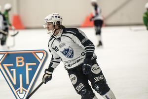 Det var en hel del klubbar som hörde av sig till Oskar Lundgren efter säsongen. Till sist valde han Bollnäs där han skrivit på ett tvåårskontrakt.