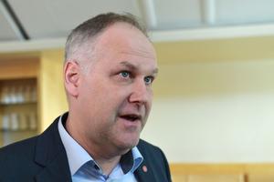 Jonas Sjöstedt ger sig in i BB-debatten i Sollefteå.