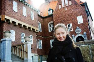 17-åriga Amanda Sahlin från Frösön kandiderar i höst till kommunfullmäktige i Östersund. Hon kan därmed bli den yngsta i Sverige att väljas in kommunfullmäktige. Foto: Ulrika Andersson
