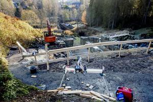 Just nu restaureras skador på Västanå kvarn.