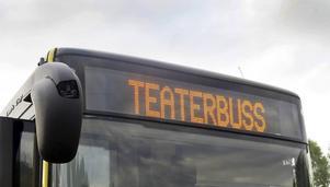"""Varje föreställning av """"Ett sjunkande skepp/ett växande slott"""" kommer att kunna ses av en busslast publik."""
