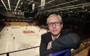 NY VD I LEKSANDS IF. Mats Aspemo blir ny tillförordnad vd i Leksands IF. Den nye vd:n får en rivstart på sitt nya jobb med kvällens seriepremiär och daladerby mot Mora.FOTO: CURT KVICKER