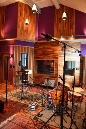 Studion utnyttjades som mest när musikskolan BoomTown höll till i lokalerna. Studion är toppmodern och utrustad för att kunna göra det mesta. Det finns även nationell och internationell potential menar Mats Björke.