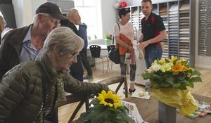 Många ville titta på den nya köksutställningen i Linsell.