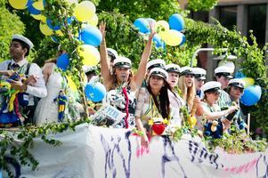 Ska du fira på fredag? Alkoholförtäring för studenter under 20, ska ske på krogen och ingen annanstans.