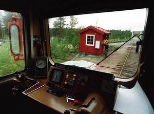 Flera stora skogsbolag vill köra mera timmer på Inlandsbanan. Men då krävs att banan rustas.