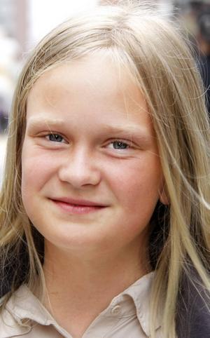 Julia Andersson, 11, Hammarstrand:   – Ja. Jag ska vara med kompisar och vara i sommarstugan i Vallsjön. Jag ska bada och slappa. Kanske ska jag åka till Fäviken när det är mässa där.