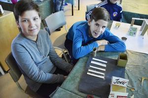 David och Gabriel i klass 6B vill ha ett nytt övergångsställe vid Bommengrillen.