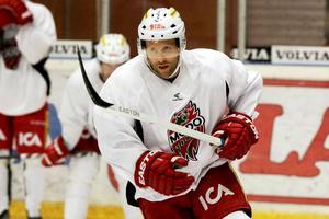 Niklas Nordgren står utan klubb och Sundsvall Hockey har anmält sitt intresse för forwarden.