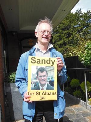 VLT:s förre politiske redaktör Richard Appelbom åkte till England 2016 för att delta i sin vän Sandy  Walkingtons (Lib Dem) valkampanj.Foto: Privat