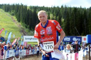 Jerker Lysell Rehns BK grinnar illa efter rggskott och problem som tvingade honom att stanna vid flera tillfällen. Något som gjorde att han tappade ledningen i elitklassen.