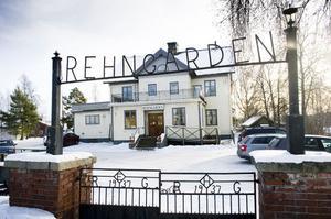 Rehngårdens restaurang i Bollnäs är till salu. I huset intill Renbron har det funnits restaurangrörelse sedan 1937.