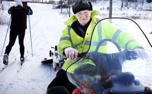 Bertil Israelsson är Nykvarns spårhjälte efter att ha anlagt skidspår där sedan 1983. Foto: Mats Andersson