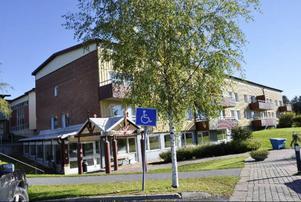 Solbackens sjukhem stod inflyttningsklart år 1999, och planerades då bland annat för korttidsvård. Först nu blir det verklighet om politikerna antar socialchefens förslag.