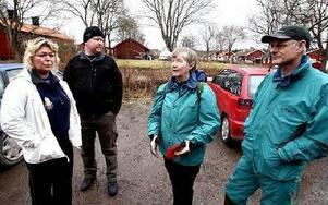 Marie och Tony Onkka från Falun och Marianne Löfgren och Per-Anders Ingebro från Vika hade kommit till Stjärnsund under söndagen för att hjälpa till i sökandet.