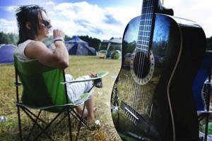 Musikerambitioner finns även på campingen, här hos Poppe från Sandviken.
