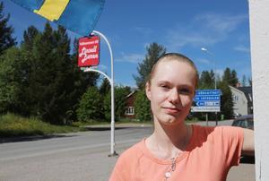 Linsellbaren efter riksväg 84 mellan Sveg och Hede är åter öppen. Sophie Schultz tar över det lilla mathaket i byn.
