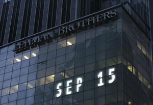 Globalt eko. Efter det att Lehman Brothers den 15 september 2008 ansökte om konkurs tog det bara några timmar innan det i Sverige blev betydligt svårare eller omöjligt för ett svenskt företag att få lån av en svensk bank, skriver Mats Odell. foto: scanpix
