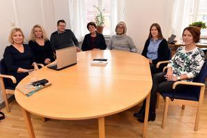 Malin Höglund, Ewa Byström, Mikael Nyman, Anna-Lena Hållmats-Bergvik, Pia Blomstedt, Karin Hansson och Marie Edbom berättade om situationen i Mora.