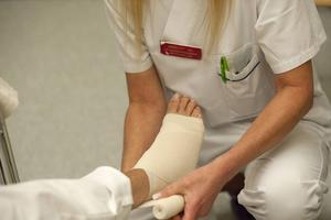 Kommunal vill att undersköterskor ska få påökt med 1061 kronor i månaden.