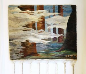 Regina Mucwicki Mabrouk skapade en magiskt dimhöljd skog med garnerna.