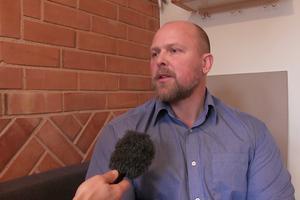Crister Lindh konfronterade en man med yxa utanför Medborgarhuset i Sveg i slutet av september.