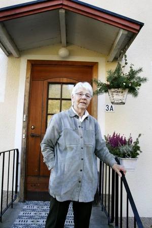 """MINNS LIVET MED GRUVAN. Margit Gustafsson, som jobbade på Malmgården som var Sandviks mäss, drömmer om att det återigen blir liv och rörelse i byn – som på gruvtiden. """"Tänk, där skulle man kunna ha aktiviteter för äldre, eller ett vandrarhem"""", säger hon."""