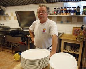 Dan Jönsson ansvarar från måndag för matdistributionen till äldreomsorg och skola i Ramsjö.