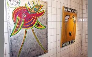 Jesper Eriksson har ofta med fåglar i sina konstverk.-- Det har bara blivit så. De har enkla former, säger han.