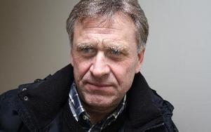 Mats Möller, 60, Leksand:-- Jag var i Stockholm och hörde det först vid lunchtid i bilradion när jag var på väg hem. Det var innan mobilens tid.Det var en mycket obehaglig känsla att statsministern hade mördats på öppen gata i vårt land.