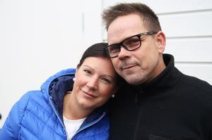 Hustrun Sofie Berglén är Magnus Granbergs stora stöd i resan han gör för att hitta sig själv efter år av missbruk.