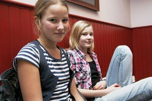 Ellen Körner och Kristin Sonefors åker långt för att de ska kunna vara med i musikalskolan. Jon Anderzon vill hylla alla föräldrar som ställer upp och skjutsar.