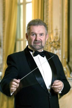 Gunnar Julin leder DOF-konserten med stycken ur filmhistorien på lördag i Kristinehallen i Falun.