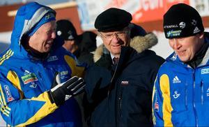 Skidskytte VM i Östersund 2008 lockade kungen att göra ett besök i Östersund. Här syns han tillsammans med Wolfgang Pichler och Staffan Eklund.