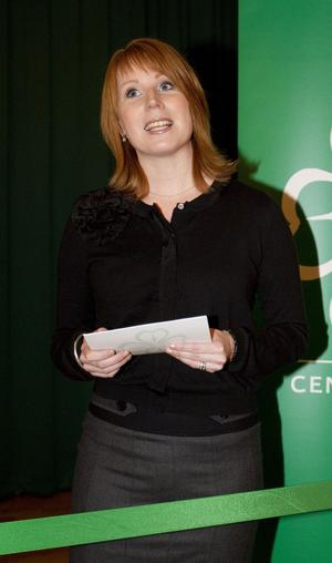 Klippte band. Partiledaren Annie Lööf invigde Centerns nya regionorganisation och svarade på frågor från medlemmarna.