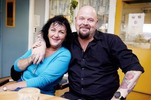 LÅTSKRIVARSKOLA. I flera år har Anders Bagge  känd från bland annat juryn i talangjakten Idol  letat en plats där han kan starta en ny låtskrivarskola. I höst förverkligade han sina planer i Örnsköldsvik, där han redan tidigare har samarbetat med Musikmakarna och rektorn Ulla Sjöström.