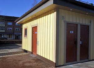 Av tre offentliga toaletter centralt i Leksand är endast de på Torget öppna dagligen.