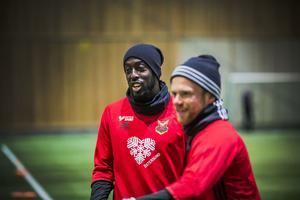 Ronald Mukibi och Dennis Widgren. De börjar kännas som två trotjänare i klubben.
