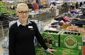 Lidl säljer till exempel ekologisk julmust, berättar Åsa Persson, säljledare.