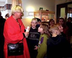 Arkivfoto: NICK BLACKMON Många besök.  Förskolorna i Trödje imponerade på jämställdhetsminister Margareta Winberg. Men föräldrarna till förskolebarnen är inte imponerade,