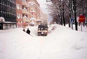 Det enda sättet att ta sig fram på Nygatan i början av december 1998.